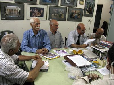 نشست انجمن موبدان در تابستان ٨٨- فرتور از فرزین فلفلی